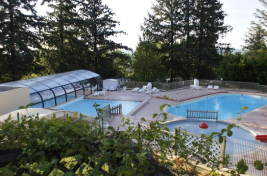Les pins camping for Camping rocamadour piscine